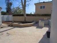 Premiere-Concrete-Backyard-flagstone